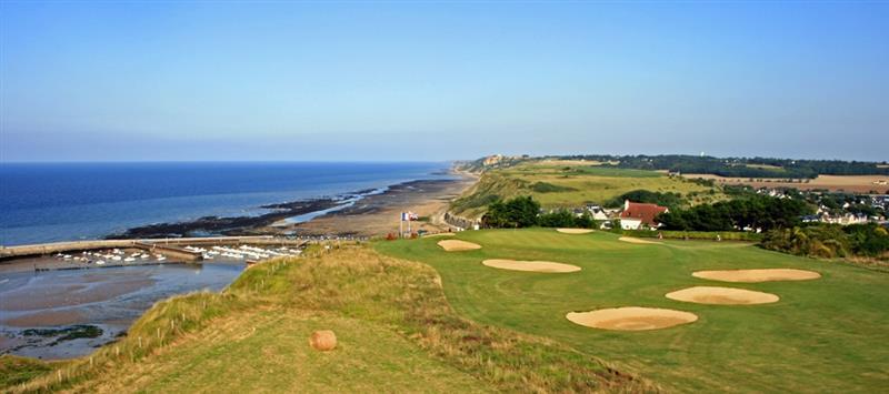 Le golf d 39 omaha beach camping 2 toiles port en bessin - Camping la prairie port en bessin huppain ...